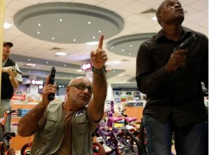 Kenya shopping center gunmen hunted by police